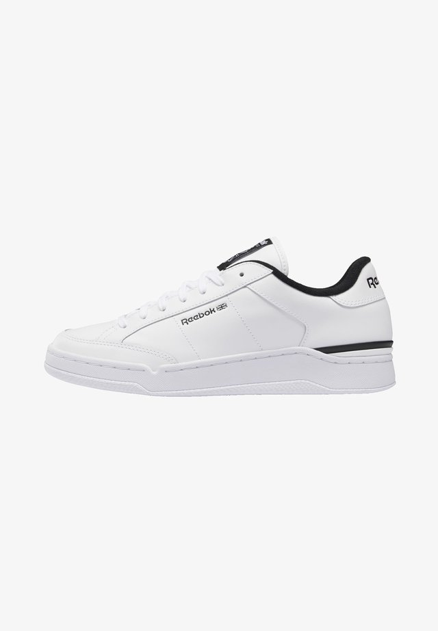 AD COURT CLASSIC SHOES - Sneakers laag - white