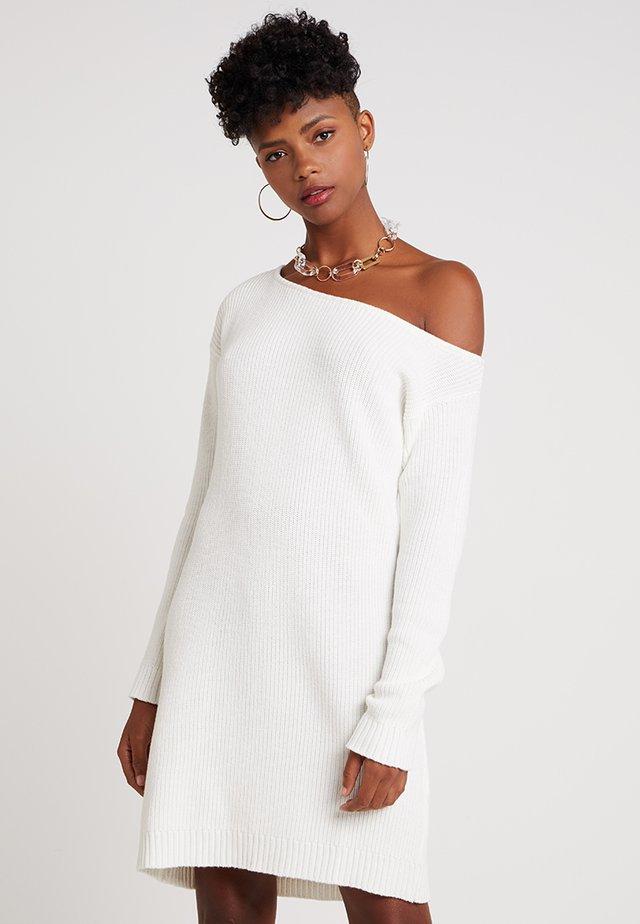 Sukienka dzianinowa - offwhite