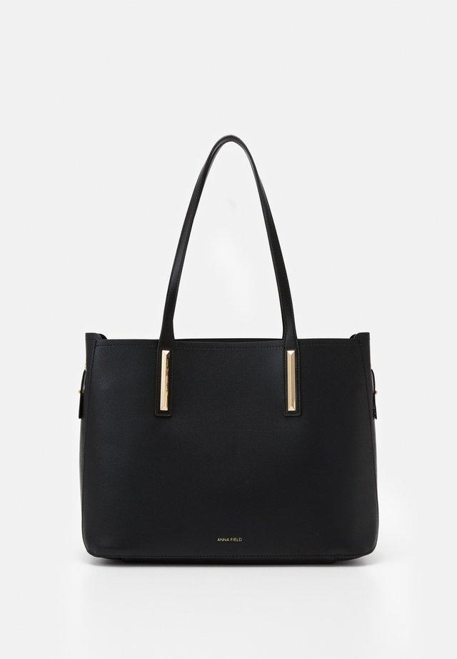 SET - Handtasche - black