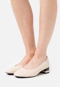 Geox - CHLOO MID - Classic heels - sand - 0