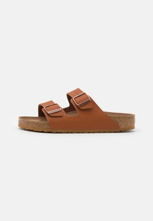 ARIZONA VEGAN FOOTBED - Slippers - saddle matt ginger brown