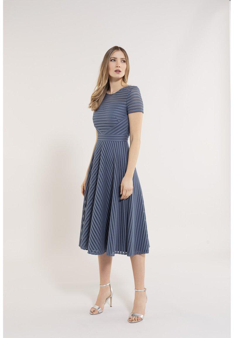 Swing - Day dress - vintage blue