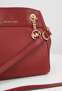 MICHAEL Michael Kors - JET SET CHAIN LEGACY - Across body bag - brandy - 6