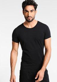 Tommy Hilfiger - 3 PACK - Undershirt - black - 0