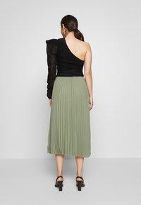 Selected Femme Petite - SLFJOSIE MIDI SKIRT PETITE - A-line skirt - oil green - 2