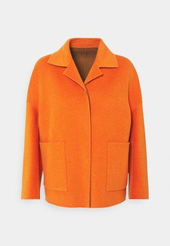 SELVA - Manteau court - orange