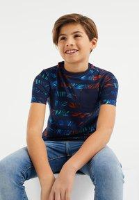 WE Fashion - Print T-shirt - blue orange - 1