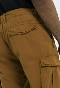 camel active - REGULAR FIT - Shorts - cinnamon - 4