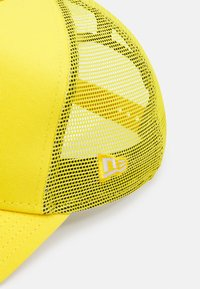 New Era - TONAL TRUCKER UNISEX - Cap - yellow - 4