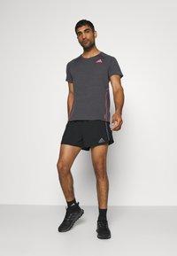 adidas Performance - ADI RUNNER TEE - Print T-shirt - dark grey solar grey - 1