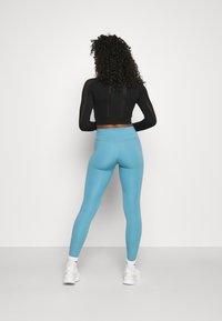 Calvin Klein Performance - LONG SLEEVE SEAMLESS  - Long sleeved top - black - 2