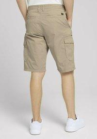 TOM TAILOR DENIM - Shorts - smoked beige - 2
