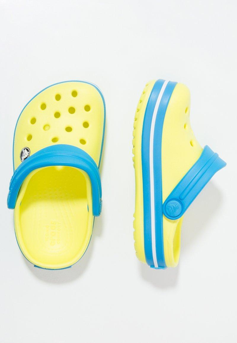 Crocs - CROCBAND - Sandały kąpielowe - tennis ball green/ocean