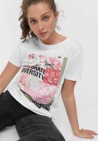 Stradivarius - T-shirt con stampa - white - 3