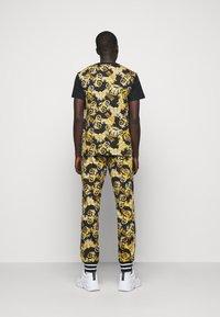 Versace Jeans Couture - NEW LOGO - T-shirt imprimé - nero - 2