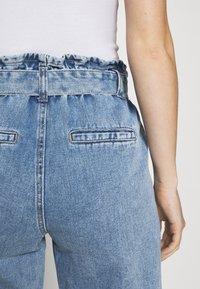 ONLY - ONLJANE PAPERBAG BELT - Relaxed fit jeans - light-blue denim - 4