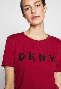 DKNY - FOUNDATION LOGO TEE - Print T-shirt - red/black - 4