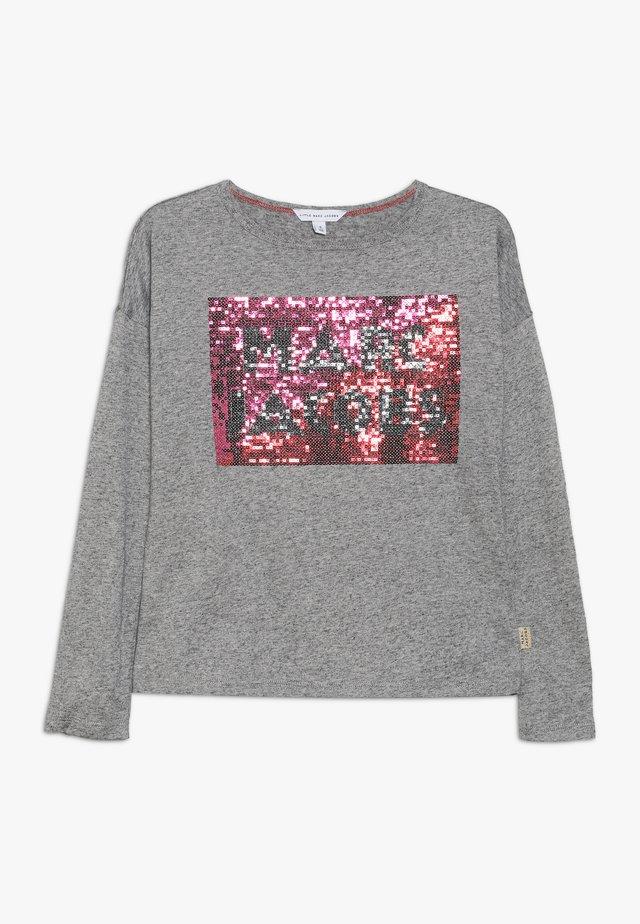 Pitkähihainen paita - grau