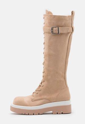 KINETIC - Platåstøvler - blush
