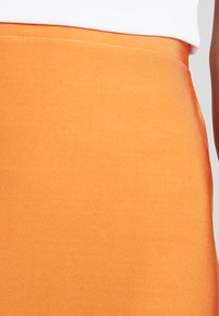 Nly by Nelly - ON POINT SKIRT - Blyantnederdel / pencil skirts - orange - 4