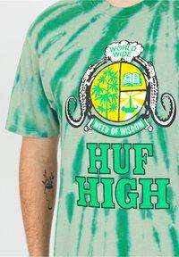 HUF - Print T-shirt - sycamore - 3