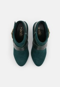 Wallis - AMADEUS - Ankle boots - green - 5
