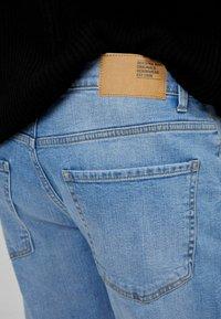 Bershka - Slim fit jeans - blue denim - 4