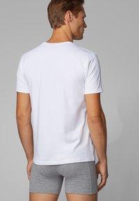 BOSS - 2 PACK - Undershirt - white - 4