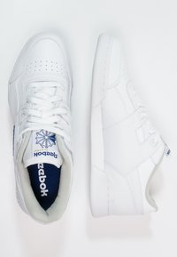 Reebok Classic - WORKOUT PLUS - Sneakersy niskie - white/royal - 1