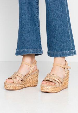 High heeled sandals - sand