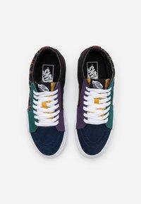 Vans - SK8 MID UNISEX  - Höga sneakers - dark rainbow - 3