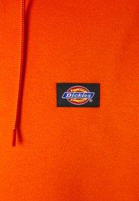 Dickies - OKLAHOMA HOODY - Hoodie - bright orange - 2