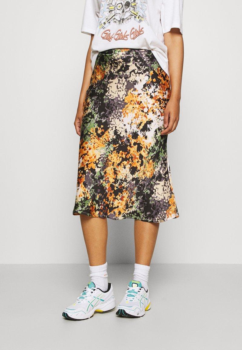 Never Fully Dressed - BLOOM PRINT SLIP SKIRT - Pencil skirt - navy/multi