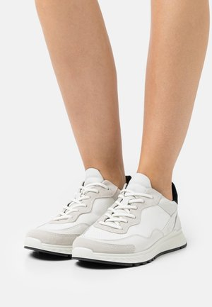 ST.1 - Sneakers laag - shadow white/black