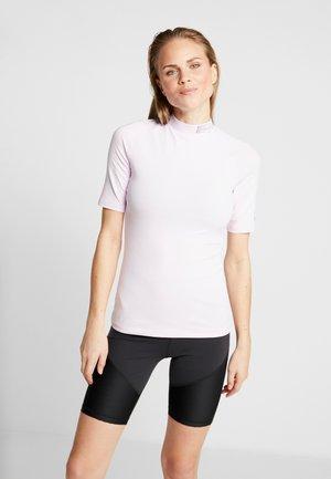 SOLID TEE - T-shirt z nadrukiem - pink