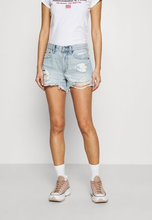 CURVE LOVE MID RISE BOYFRIEND - Denim shorts - light destroy