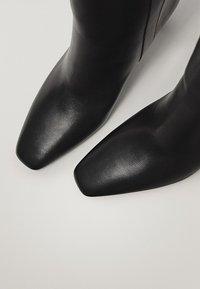 Massimo Dutti - Korte laarzen - black - 5