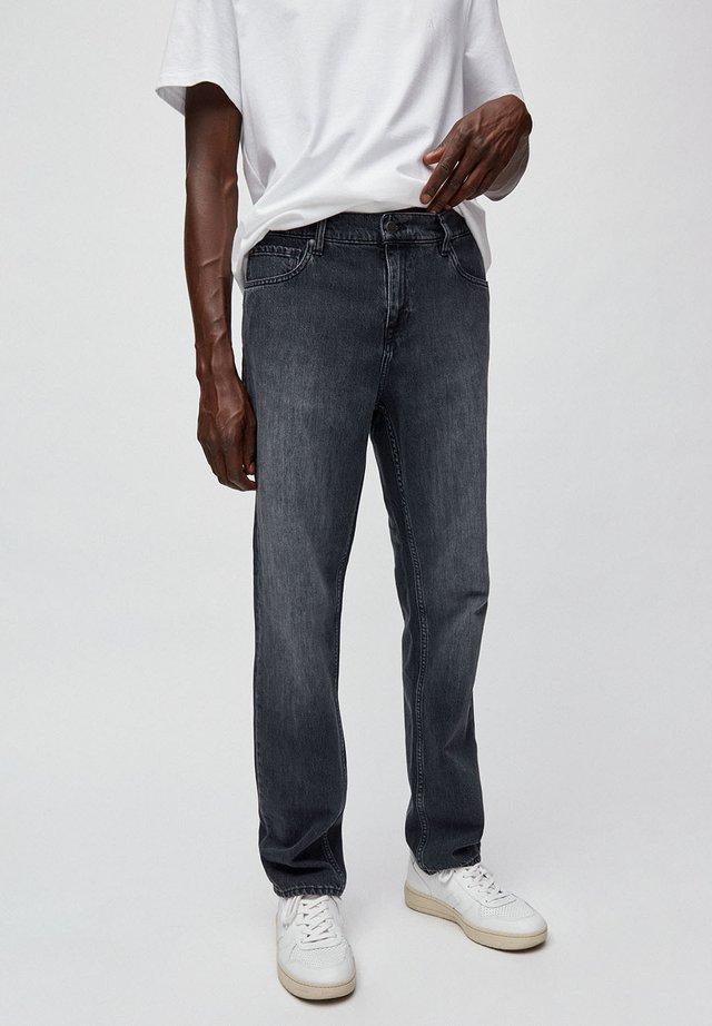 DYLAAN - Straight leg jeans - grey denim