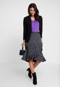 Cream - NAIA - Basic T-shirt - amaranth purple - 1