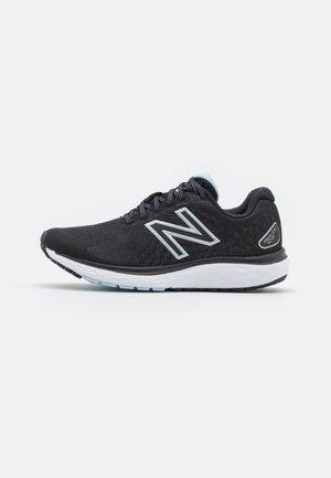 680 - Zapatillas de running neutras - black/white
