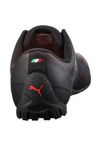 Puma - FERRARI DRIFT CAT 5 ULTRA - Trainers - puma black/rosso corsa - 3