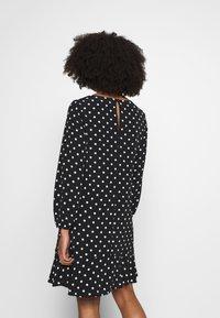 Wallis Petite - SPOT FLIPPY HEM SHIFT DRESS - Day dress - black - 2