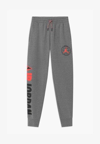 MOUNTAINSIDE  - Teplákové kalhoty - carbon heather