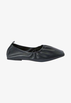 Foldable ballet pumps - black