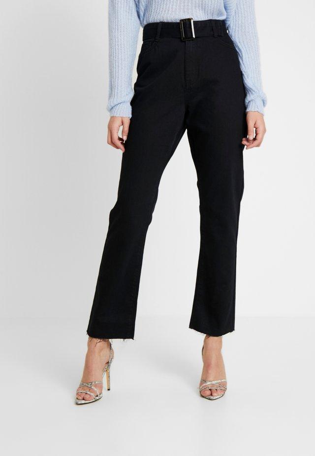 TORTOISE BUCKLE - Jeans a sigaretta - black