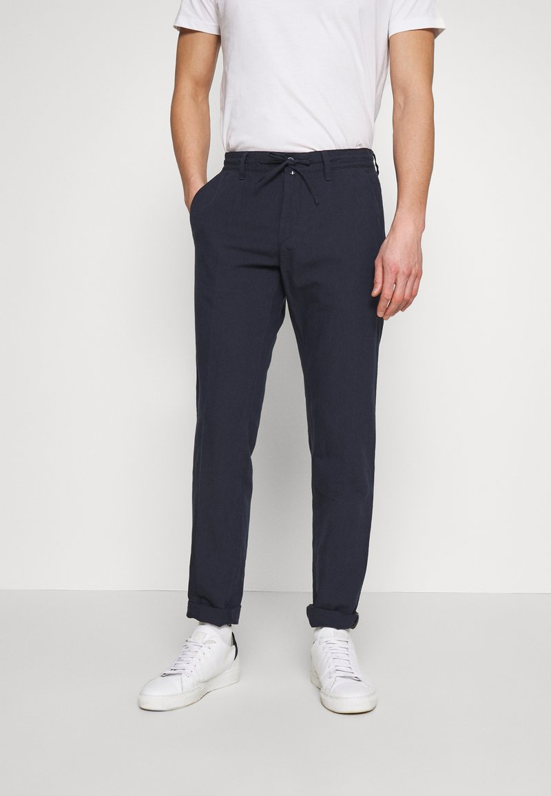 Marc O'Polo - TAPERED FIT - Trousers - total eclipse