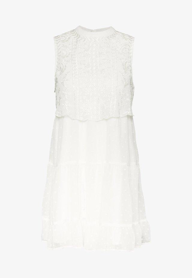 DOBBY BIB SMOCK DRESS - Korte jurk - ivory