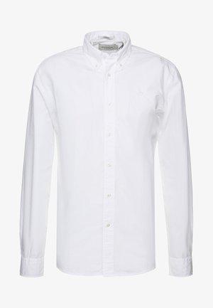 CRISPY REGULAR FIT BUTTON DOWN COLLAR - Skjorta - white