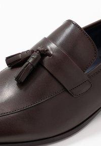 Burton Menswear London - WYATT - Eleganckie buty - brown - 5