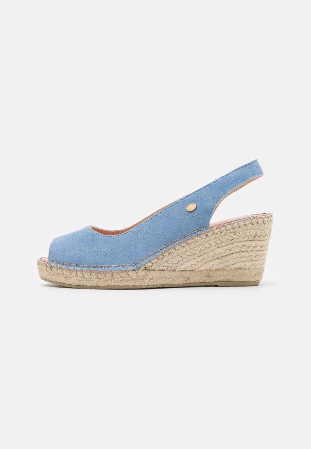 Sandalen met plateauzool - lavendel blue